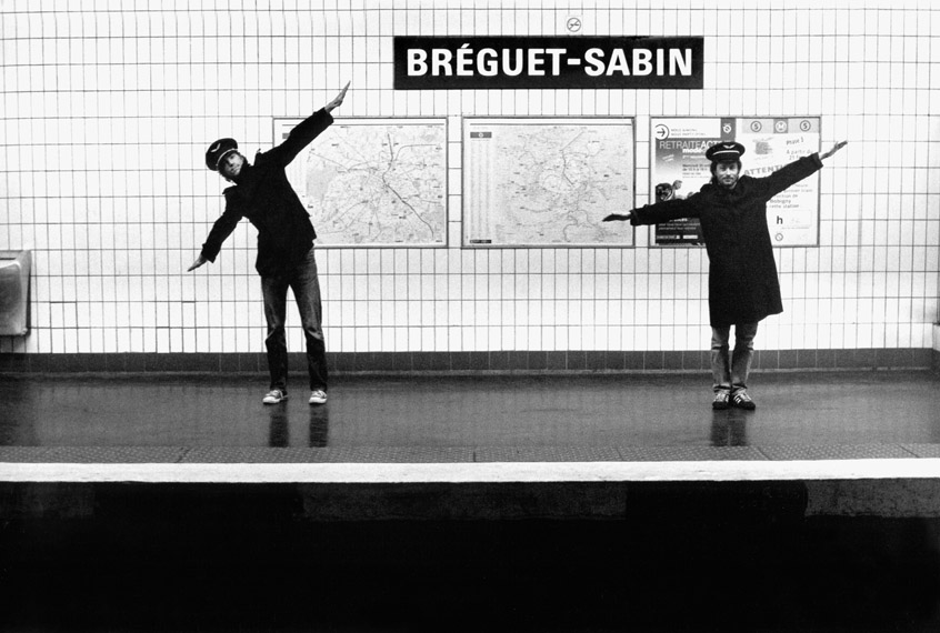 http://www.revuephoto.com/wp-content/uploads/2013/10/Metropolisson-Janol-Apin-Metro-Breguet-Sabin.jpg